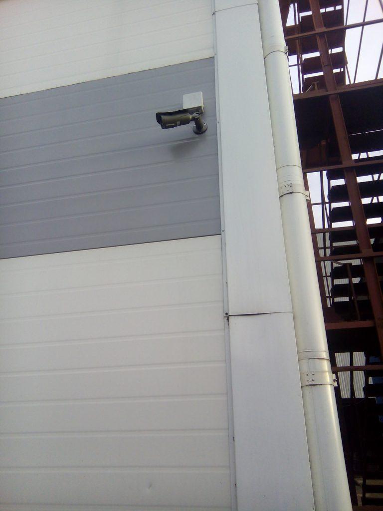 Установка видеонаблюдения на складе15