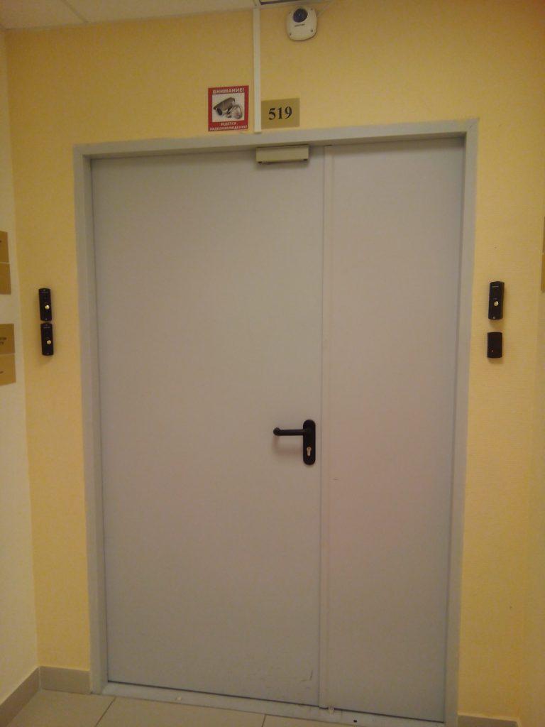 установка контроля доступа в офисе 3