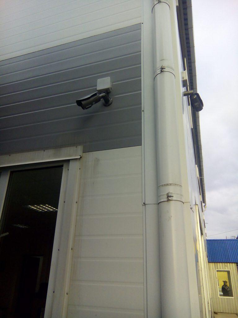 Установка видеонаблюдения на складе17